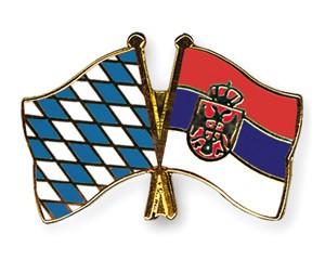 Bayern-Serbien Freundschaftspin Flaggenpin